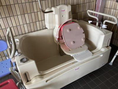 (社長ブログ)有料老人ホームあんしん村ではチェア浴(座って入浴)を導入、全員が金メダル!とはいかない、、、さらにあんのんデイサービスでも利用。
